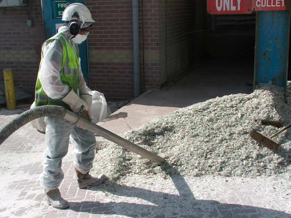 DISAB Compvac used to clear up Glass dust and debris cullet